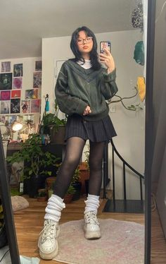 Goth Girl Outfits, Swaggy Outfits, Indie Outfits, Edgy Outfits, Retro Outfits, Cute Casual Outfits, Goth Girls, Outfits With Tights, Grunge School Outfits