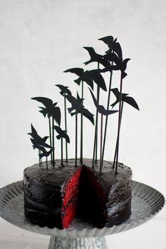 """The Birds"" Cake Topper Bird Cake Toppers, Unique Cake Toppers, Unique Cakes, Wedding Cake Toppers, Chic Halloween Decor, Halloween Dinner, Halloween Cakes, Halloween Movies, Spooky Food"