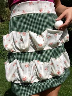 Egg Gathering Apron -- tutorial video