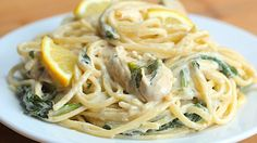 Boil some water and salt it well. Add the pasta. Half way through the cooking of the pasta, add the brocolli. Fry your chicken in… Lemon Garlic Chicken Pasta, Chicken Linguine, Creamy Lemon Chicken, Lemon Pasta, Lemon Chicken Alfredo Recipe, Lime Chicken, Linguine Recipes, Spaghetti Recipes, Pasta Recipes