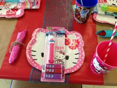 Place settings at a Hello Kitty Party #hellokitty #party