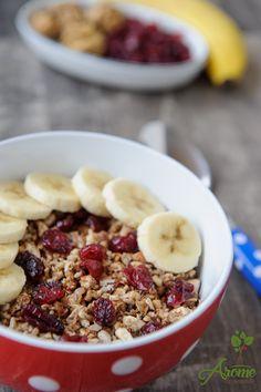 Granola cu nuci si banane Granola, Healthy Recipes, Easy Recipes, Healthy Food, Tasty, Yummy Food, Raw Vegan, Acai Bowl, Oatmeal