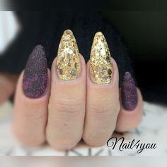 Negle glimmer i guld og lilla gel polish med water sticker alle produkter fra Nail4you