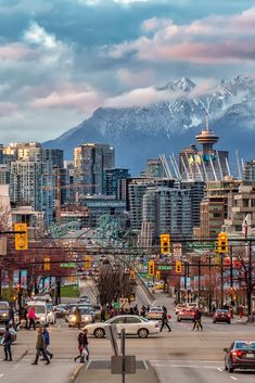 When visiting Vancouver BC, there are just some things you absolutely must do to see for yourself how amazing it is. Start your itinerary off right by hitting up our 7 favorite places to visit in Vancouver BC. Vancouver Travel, Vancouver City, Visit Vancouver, Places To Travel, Travel Destinations, Places To Visit, Vancouver Photography, Belle Villa, Roadtrip