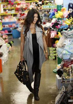 Kourtney Kardashian Photo - Kourtney Kardashian Shopping At Kitson Kids