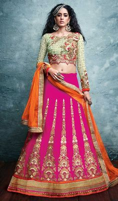 Precise magnificence will come out from your dressing design with this lehenga choli in pink color embroidered silk. The charming lace, resham and stones work all through choli is awe-inspiring. #gloriuoscolorslehengacholionline #sparkingdesignchaniyacholi traditionalwearchaniyacholis