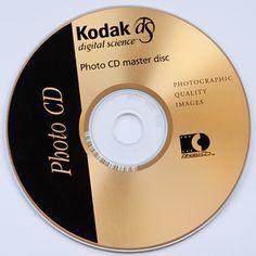 ЛАЗЕРНЫЙ (ОПТИЧЕСКИЙ) ДИСК - носитель информации в виде пластикового или алюминиевого диска, предназначенный для записи или (и) считывания информации при помощи лазерного луча.