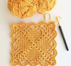 Transcendent Crochet a Solid Granny Square Ideas. Inconceivable Crochet a Solid Granny Square Ideas. Crochet Motifs, Granny Square Crochet Pattern, Crochet Blocks, Crochet Squares, Granny Squares, Crochet Flower Scarf, Crochet Flowers, Filet Crochet, Point Granny Au Crochet