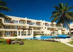 The Phoenix Resort in Belize offers two on-site saline chlorinated and heated pools, Red Ginger restaurant, Sol Spa, a fitness center, business center, and more.