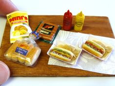 Hot dogs and Chips ! by minivenger ...