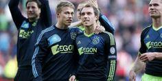 Viktor Fischer & Christian Eriksen Real Soccer, Soccer Fans, Afc Ajax, Soccer Pictures, Graphic Sweatshirt, Celebs, Christian, Google, Celebrities