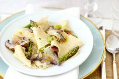 Asparagus, Mushroom & Leek Spring Pasta