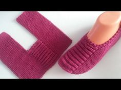 Baby Booties Knitting Pattern, Crochet Socks Pattern, Crochet Baby Boots, Crochet Shoes, Baby Knitting Patterns, Knitting Socks, Knitting Designs, Knit Crochet, Crochet Star Patterns