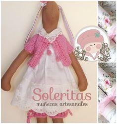 Soleritas Muñecas Artesanales: Conejita orejas largas.