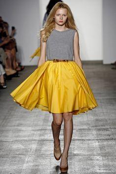 yellow full skirt & grey muscle tee