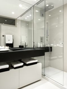Molins Interiors // arquitectura interior - interiorismo - dormitorio - principal - suite - baño - ducha
