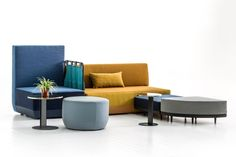 From Werner Aisslinger comes Bikini Island, a modular seating and furniture system that challenges a traditional layout of having the sofa against the wall. Moroso Furniture, Mod Furniture, Outdoor Furniture Sets, Furniture Design, Diy Sofa, Sofa Design, Interior Design, Single Sofa, Soft Seating