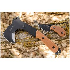 TOPS WPAX-02 Wolf Pax 2 Combo Set, Axe and Knife | MooseCreekGear.com | Outdoor Gear — Worldwide Delivery! | Pocket Knives - Fixed Blade Knives - Folding Knives - Survival Gear - Tactical Gear