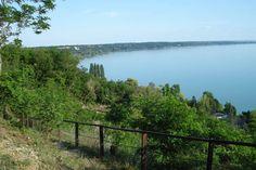 Balatonakarattya - Kisfaludy sétány / A Balaton legszebb utcája, és nem is tudsz róla Hungary, Mountains, Nature, Travel, Naturaleza, Viajes, Destinations, Traveling, Trips