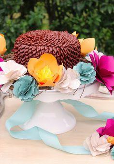 Icing Designs: DIY Paper Flower Cake Wreaths