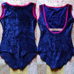 Sofiane / Body : v-dark blue Trim : t-magenta #yumiko