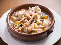 コシード風スープ スペイン風ポトフを家庭用にアレンジ - 高森 敏明シェフのレシピ。1. 野菜を同じ大きさにカットする 2.火の通りの悪いものから鍋に入れる 3.出汁を使わず、素材からでる旨みを活かす