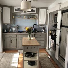 Home Renovation – Remodel Your Living Space - Home Remodeling Home Renovation, Home Remodeling, Camper Renovation, Camper Remodeling, Motorhome, Small Houses On Wheels, Tiny Houses, Fifth Wheel Campers, Rv Homes