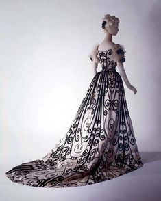 Frederick Worth and the House of Worth Charles Frederick Worth and The House of Worth Charles Frederick Worth, Charles James, House Of Worth, 1890s Fashion, Edwardian Fashion, Vintage Fashion, Trendy Dresses, Day Dresses, Wedding Dresses