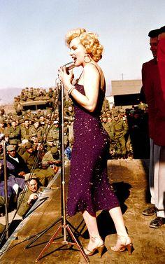 Marilyn. 50 Iconic Shots.