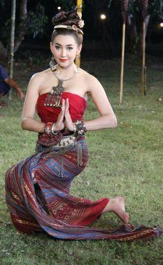 Bella Ranee Thai costume