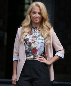 Style Me Ricci: Tulisa , Blonde, Yay or Nay? Floral Fashion, I Love Fashion, Passion For Fashion, Tulisa Contostavlos, Celebrity Style Dresses, Barbie Model, Female Singers, Famous Faces, Boss Lady