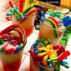 Candy Rush Cocktail - For more delicious recipes and drinks, visit us here… Candy Drinks, Fun Drinks, Liquor Candy, Fun Cocktails, Mixed Drinks, Sour Apple Pucker, Candy Rush, Citrus Vodka, Slushie Recipe