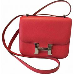 ll➤ Discover luxury pre-owned HERMÈS Handbags for women, Luxury and Fashion Designer Handbags at hand! Hermes Handbags, Leather Handbags, Hermes Constance, Resale Store, Hermes Online, Luxury Consignment, Branding Design, Skincare, Vogue