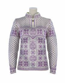 Dale of Norway Peace Sweater Women's (Off White / Grape Jam) Knitting Designs, Knitting Patterns, Norwegian Knitting, Nordic Sweater, Mori Girl Fashion, Knitting Stiches, Fair Isle Pattern, Fair Isle Knitting, Sweater Outfits