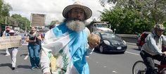 osCurve   Contactos : 'El Quijote' de Guatemala' camina 200 kilometros e...