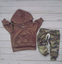 50 Ideas For Baby Outfits Neutral Boy Fashion Baby Outfits, Newborn Outfits, Toddler Outfits, Kids Outfits, Camouflage Baby, Gender Neutral Baby Clothes, Cute Baby Clothes, Camo Clothes, Dress Clothes