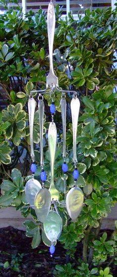 love this windchime made out of recycled silverware.