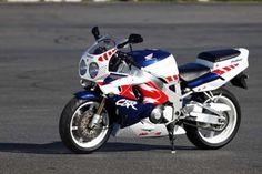 Honda Motors, Honda Bikes, Honda Fireblade, Best Motorbike, Honda Cbr 600, Sportbikes, Honda Motorcycles, Classic Bikes, Vintage Bikes