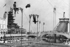 Coney Island Dreamland Trapeze Artist 1900s 4x6 Photo Here is a neat collectible featuring a trapeze artist at Dreamland Park Coney Island NY during the 1900s. This is an excellent reproduction of an