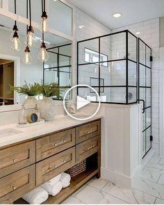 """Ontdek de beste tips voor het ontwerpen van een prachtige moderne badkamer. De moderne badkamers zijn onmiskenbaar prachtige gekenmerkt door glanzende tegels, luxe afwerking, minimalistisch design en strakke stijl. Echter, het is gemakkelijk te raken in het idee dat een moderne badkamer """"moet"""" kijken op een bepaalde manier, met strakke lijnen en neutrale kleuren. Dit is de meest voorkomende ... #modernebadkamer #badkamerideeen"""