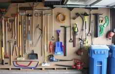 Love pegboards...don't see them in South African hardware stores, though!23 clever ways to declutter your garage