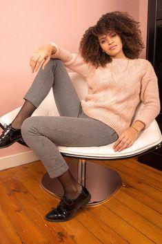 Pull tricot fantaisie et pantalon pied de poule Pull, Zip, Metal, Print Pants, Fashion Now, Winter Collection, Houndstooth, Metals