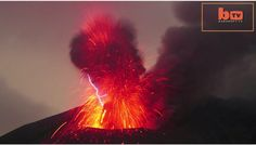 lightning-forms-as-volcano-erupts