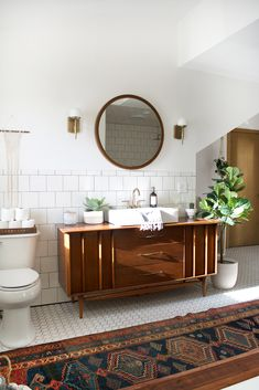 Before & After: An Outdated Bathroom Gets a Complete Makeover in Just 6 Weeks #bathroom #renovation