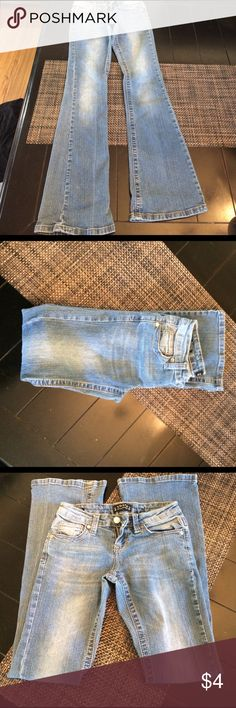 Juniors Size 0 Toxic Authentic Clothing Jeans Great used shape! Only flaw is a tiny thread fray to the inner seam of jeans as pictured. Bundle and save!!! Toxic Authentic Clothing Jeans Boot Cut