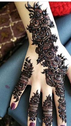 Palm Henna Designs, Wedding Mehndi Designs, Mehndi Designs For Fingers, Mehndi Design Images, Beautiful Henna Designs, Henna Leg Tattoo, Henna Mehndi, Leg Tattoos, Arabic Henna
