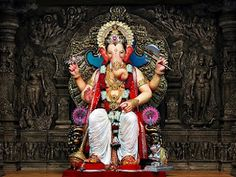 Lalbaugcha Raja or Lalbagh Ka Raja is one of the most popular sarvajanik (public) ganesh pandals established in 1934 in Mumbai. There are thousands of people are visited during Ganesh Chaturthi festival. Lalbaugcha Raja is famous for fulfilling the wishes of its worshipers and devotees. Here is the Lalbaugcha Raja in Mumbai first look photos and Lalbaug ka Raja Ganpati visarjan wallpapers from Ganesh Festival 2012..