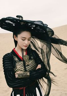 """Chinese cosplay and traditional fashion """"The Bordertown Prodigal- a Chinese Wu Xia story of a son returns from the border town to investigate his father's murder 20 years earlier. Hanfu, Asian Style, Chinese Style, Geisha Samurai, Female Samurai, Asian Woman, Asian Girl, Chinese Clothing, High Fantasy"""