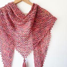 Little Fictions - Free Crochet Pattern for a One Skein Shawl - Annie Design Crochet One Skein Crochet, Crochet Shawl Free, Crochet Motifs, All Free Crochet, Basic Crochet Stitches, Crochet Chart, Crochet Basics, Crochet Scarves, Crochet Patterns
