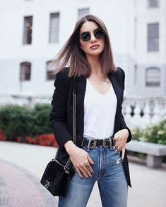 looks com blazer preto. 10 looks com blazer. blazer branco fem… looks with black blazer. 10 looks with blazer. How to wear blazer. Work look. Fashion for women. Look Casual Chic, Look Chic, Casual Looks, Chic Outfits, Fashion Outfits, Womens Fashion, Blazer Outfits, Blazer Dress, Dress Outfits
